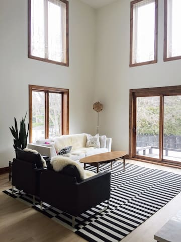 Lovely guest bedroom with private bathroom - Baie-D'Urfe - Casa