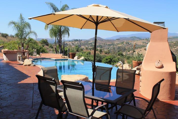 Luxury Executive, Honeymoon, Multi Suite Villa - Valley Center - Villa