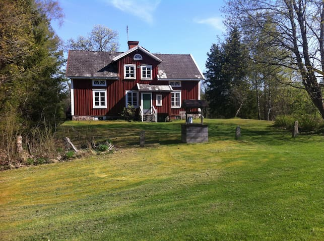 Old Countryhouse in typical Småland - Älmhult - Blockhütte