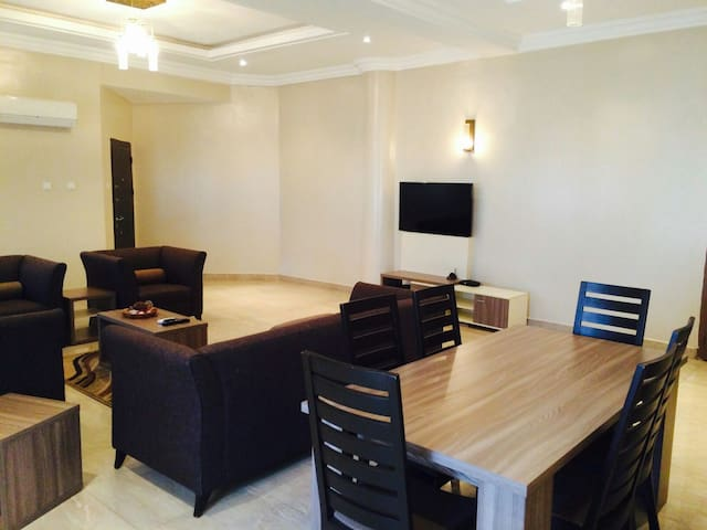 Cozy 4 Bedroom Apartment - Abuja - Daire