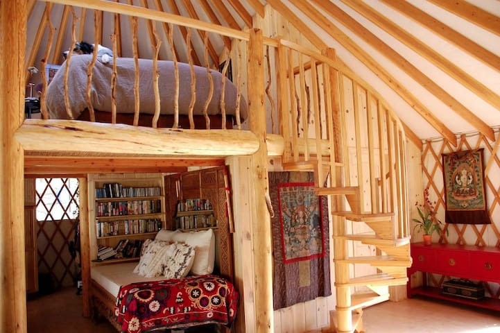 Experience living off the grid in a luxurious yurt - Tehachapi