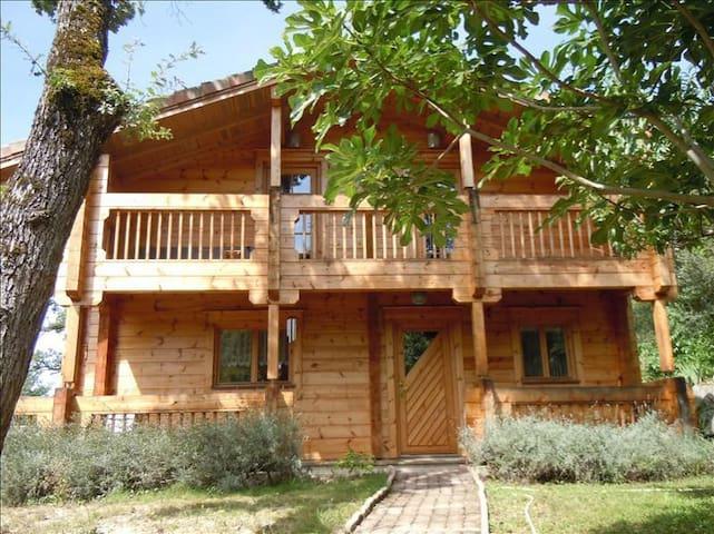 La maison en bois - Puygouzon - Aarde Huis