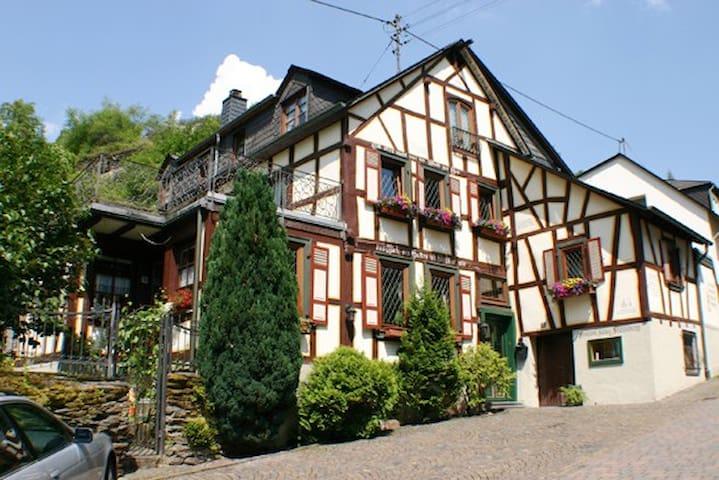 Haus Stahlberg Ferienhaus 8 Personen - Bacharach - Bed & Breakfast
