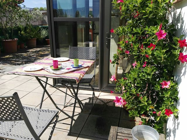 Wonderful rooftop in old town heart - Banyoles - Daire