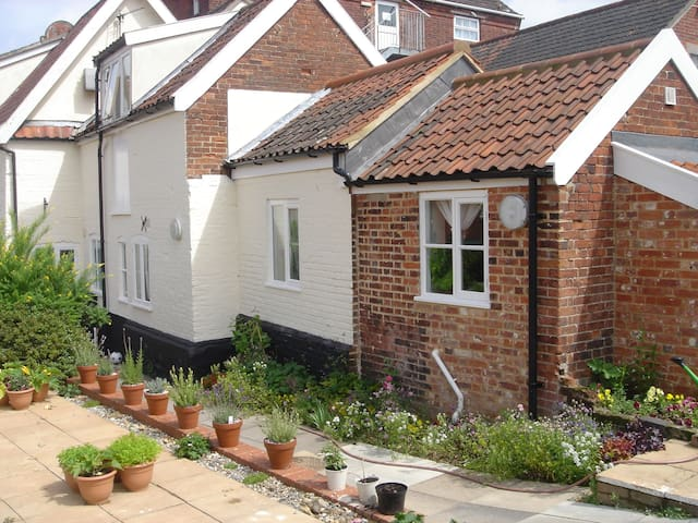 Quaint Ground floor apartment in the town centre - Wymondham - Apartemen
