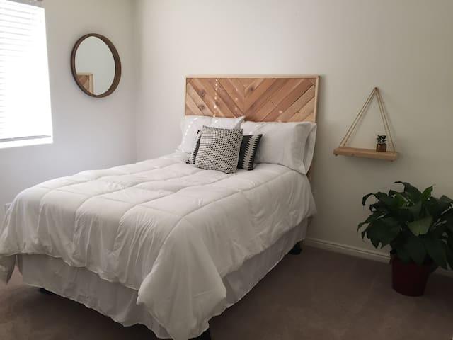 One of Those Pinterest Rooms - Cedar City - Rumah