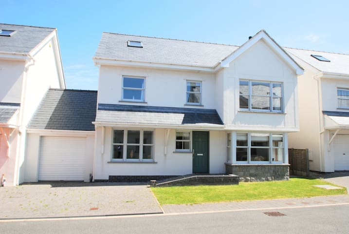 Gull House - Trearddur Bay - Casa