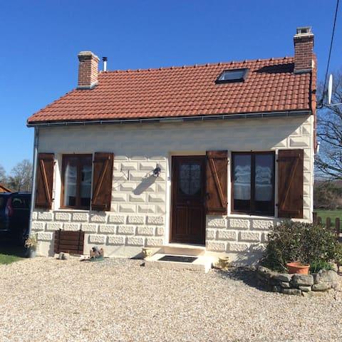 Acorn Gite, in the heart of rural France. - Mailhac-sur-Benaize - Ev