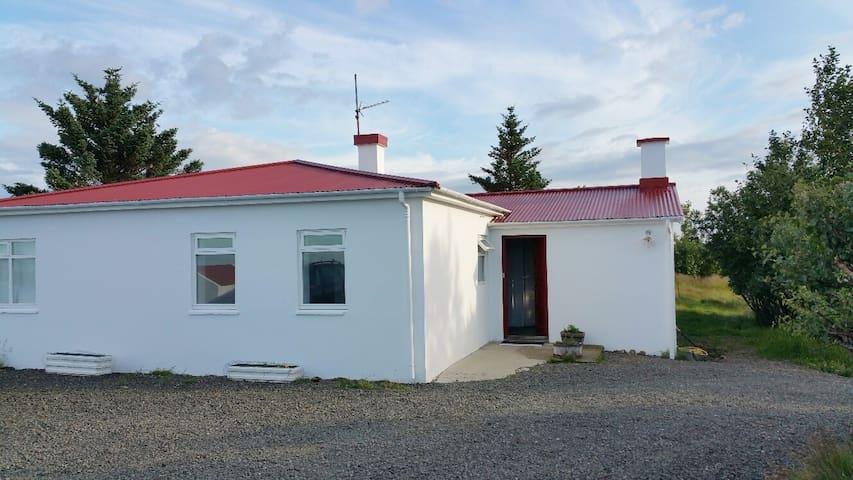 Cottage Farm at the Beautiful Oceanside - Borgarnes