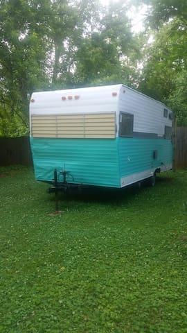 The Happy Camper :) - Murfreesboro - Autocaravana