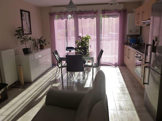 Chambre au calme, entre Annecy&Aix - Rumilly - Departamento