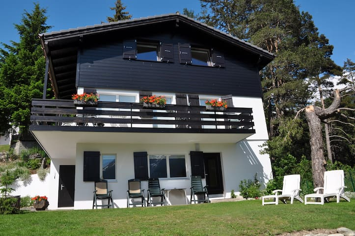 Chalet Lara with breath-taking view - Fiesch