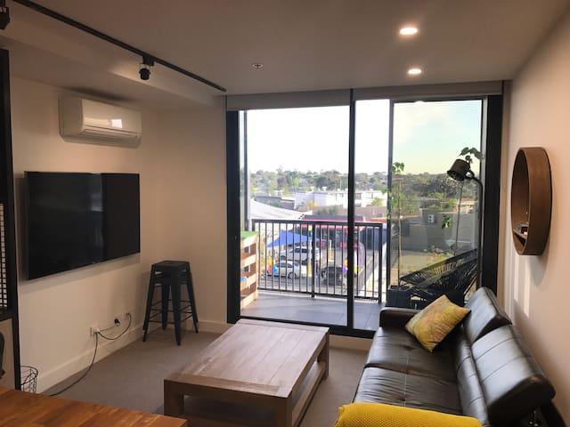 Essendon 2 Bedroom apartment - fully furnished - Essendon North - Apartamento