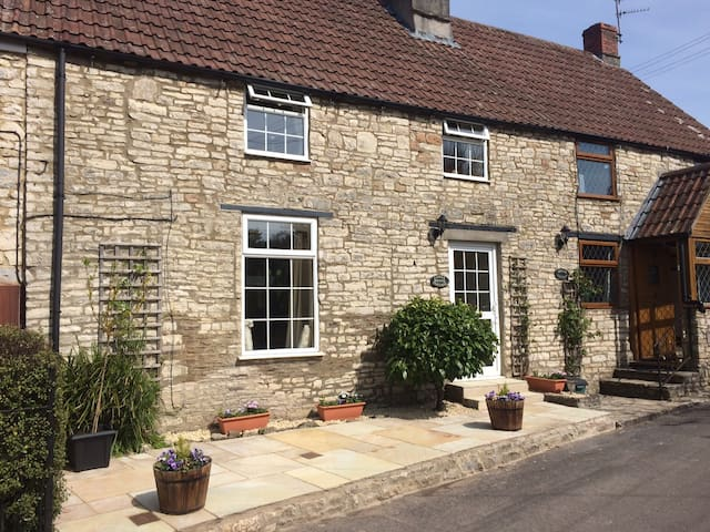 Picturesque Cottage In Rural Location - Pensford - Hus