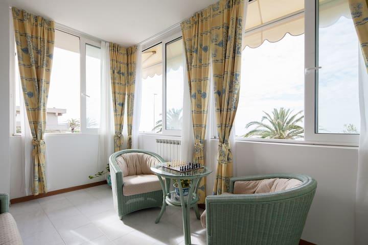 la casa davanti al mare - Carrara