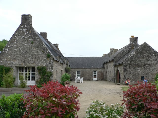 2 Maisons bretonnes mitoyennes 16 lits 10 adu max - Crac'h - Hus