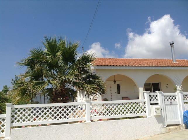 Traditional Cypriot family home - Korfi