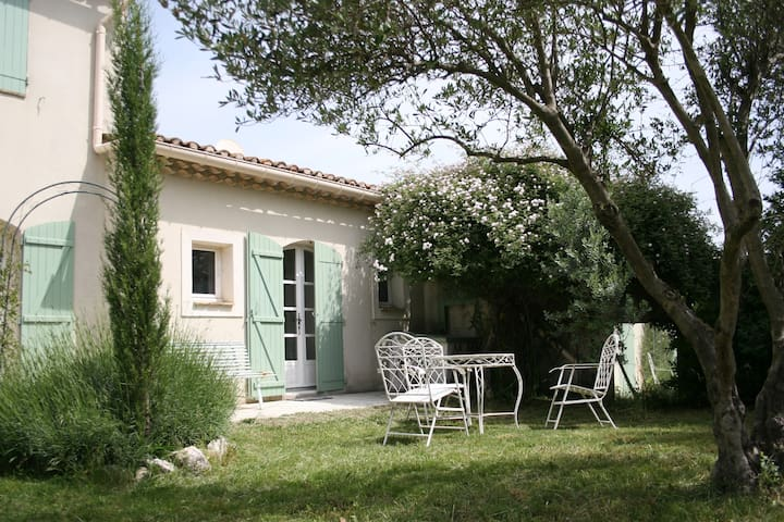 Appartment with pool near Avignon - Saze - Appartement