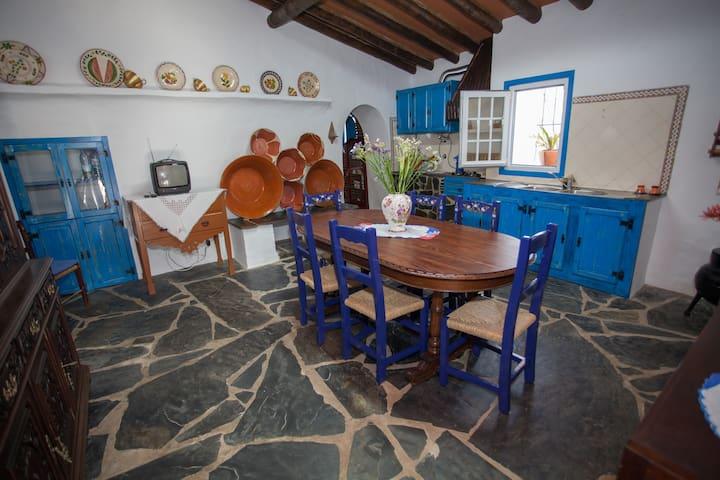 """Villa """"Monte das Janelas"""" - Bencatel - Villa"""