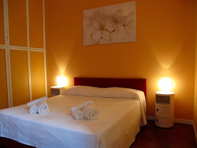 Milan and Como, Business, History and Landscapes - Seveso - Bed & Breakfast