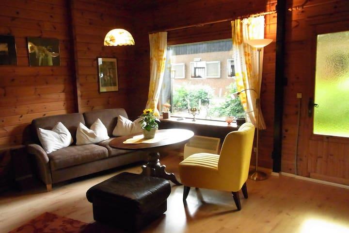 Gemütliches Holzhaus auf einer Reitanlage - Borstel - Hospedaria