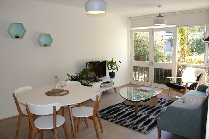 Inner-suburban Melbourne retreat - Canterbury - Huoneisto