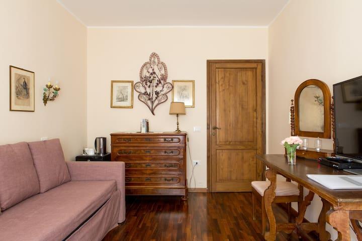 SALVIA Suite - Mezzane di Sotto - Bed & Breakfast