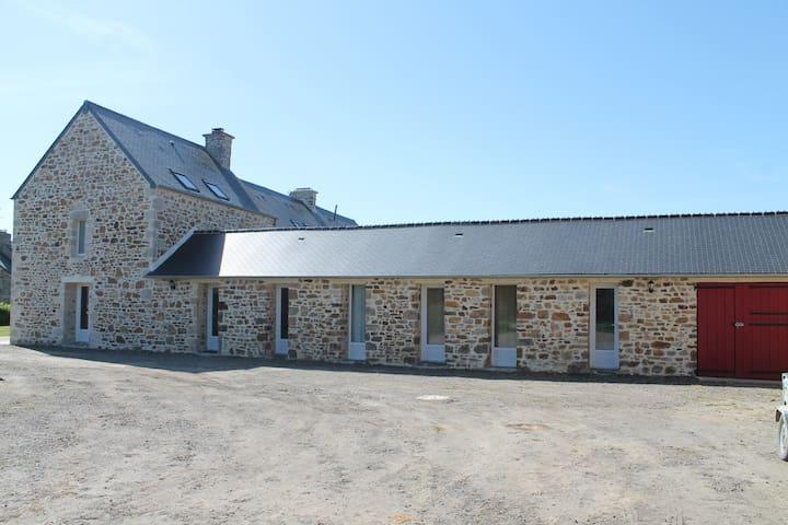 MAISON TRES AGREABLE ET CONFORTABLE AU CALME - Saint-Maurice-en-Cotentin - Ev