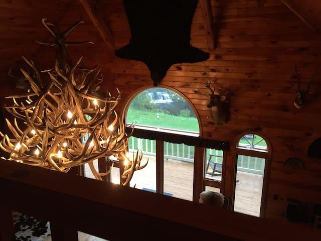 The Trophy Room @ Elk Mountain - Union Dale - Ev