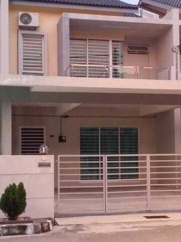 Pearl Indah Home Stay, Simpang Ampat - Simpang Ampat - Hus