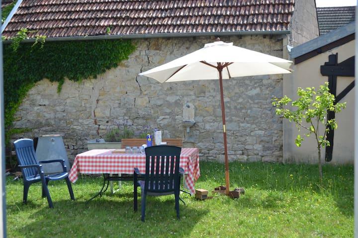 Chez la Tante Anna - Burgundy - Bourgogne - Heuilley-sur-Saône - Ev