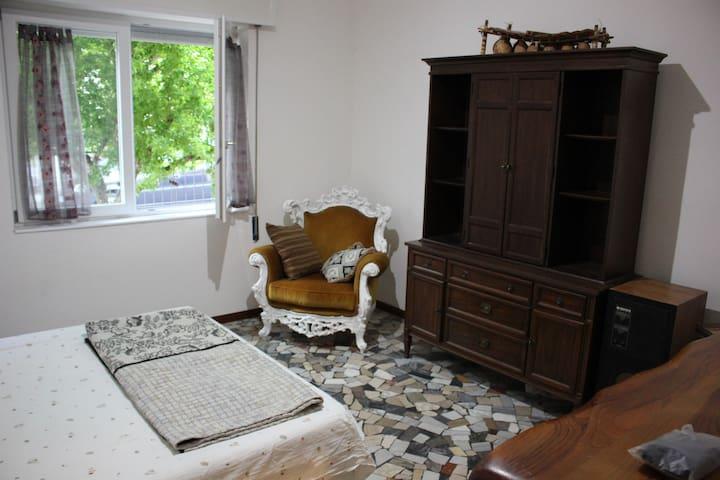 Relaxed room - ビチェンツァ - アパート
