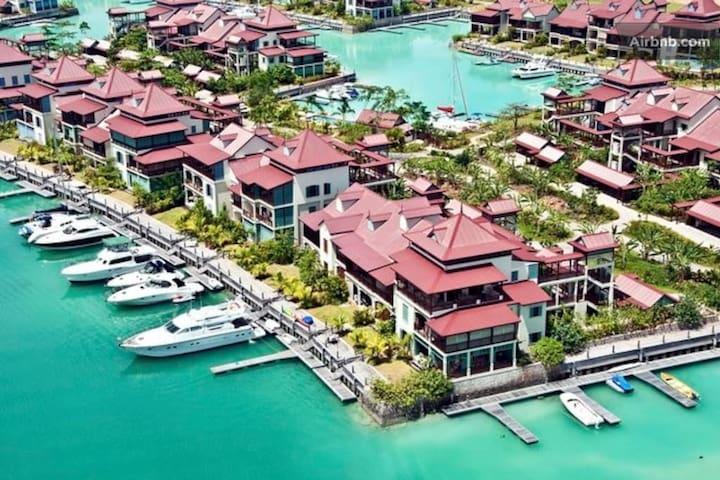 Luxury 3 BR Maison in Paradise - Victoria - Huis