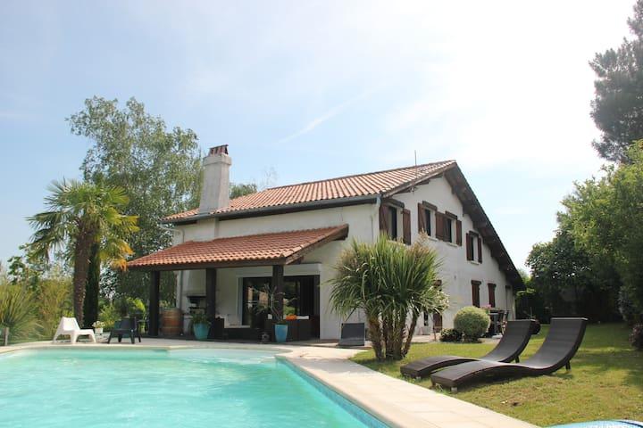 Villa Coteaux Bordelais - Pompignac - Hus