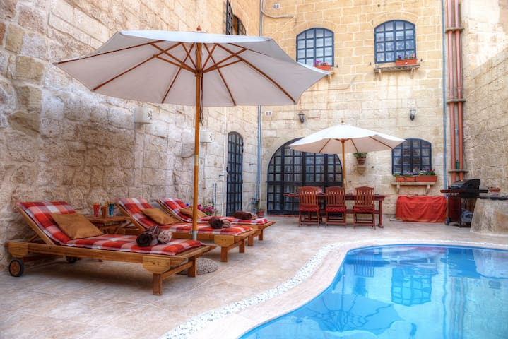 Id-Dwejra House of Character with private pool - Zejtun - Huis