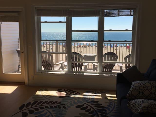 Spectacular Views From Beachfront Condo - Hampton - Departamento