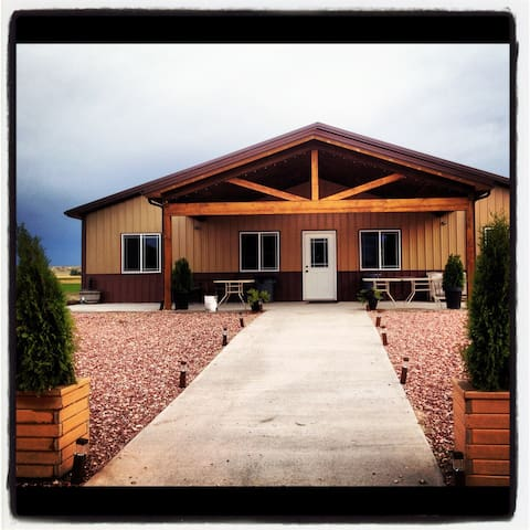 Total Eclipse of the Farm & Winery - Space Booking - Torrington - Trailer