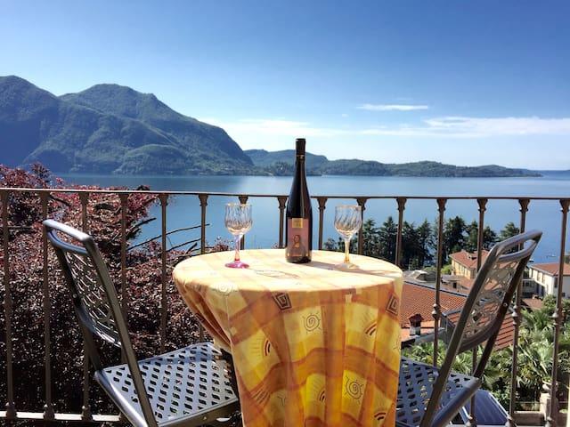 Attic in Villa with Amazing Lake View - Verbania