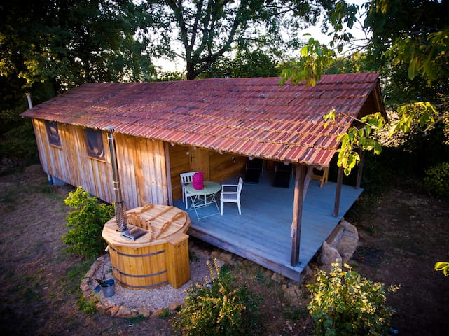 Little Owl Cabin (Le Petit Hibou) with hot tub spa - Espinas - Stuga