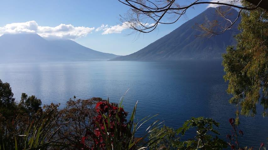 Lake access - Great views - Green and quiet place - San Marcos la Laguna - Rumah
