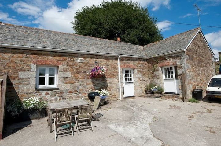 Sloe Cottage - Withiel near Wadebridge - Hus