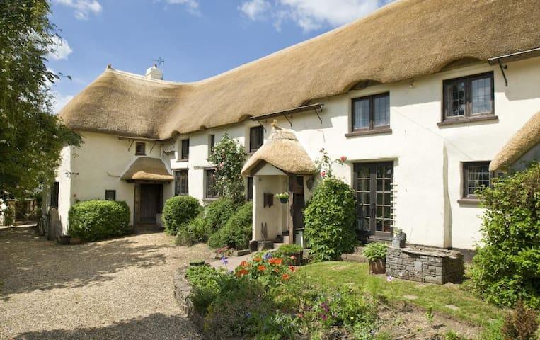 Quiet, Thatched Rural Cottage - Morchard Bishop - Huis