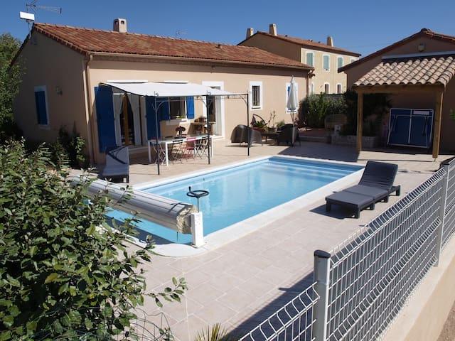 Villa avec piscine à Octon - Octon - Huis