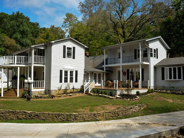 Duffer Hollow: Southern country, modern amenities - Bethpage - Hus