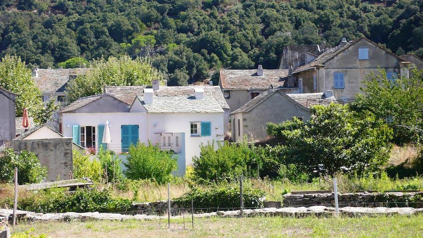 Une maison du Cap corse, entre mer et montagne - Canari - Ev