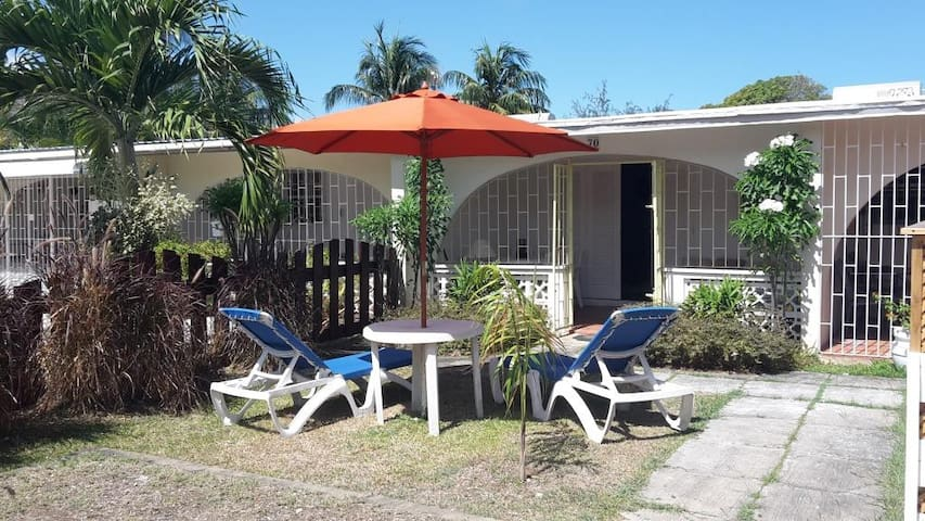 Cozy Holetown Apartment, St. James - Holetown - Daire