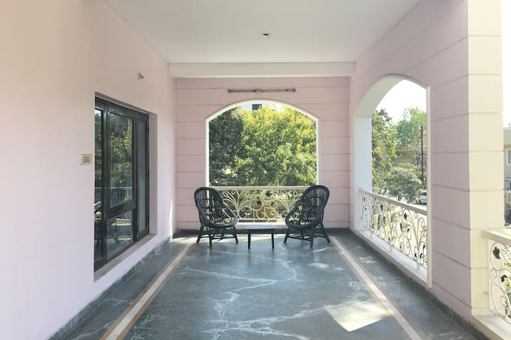 Modern, Homely, Fully-Equipped, Central - Bhopal - Domek parterowy
