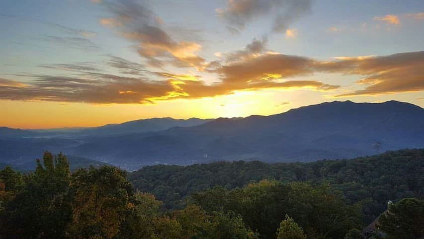 No Cleaning Fees! And The Views! - Gatlinburg - Apartemen