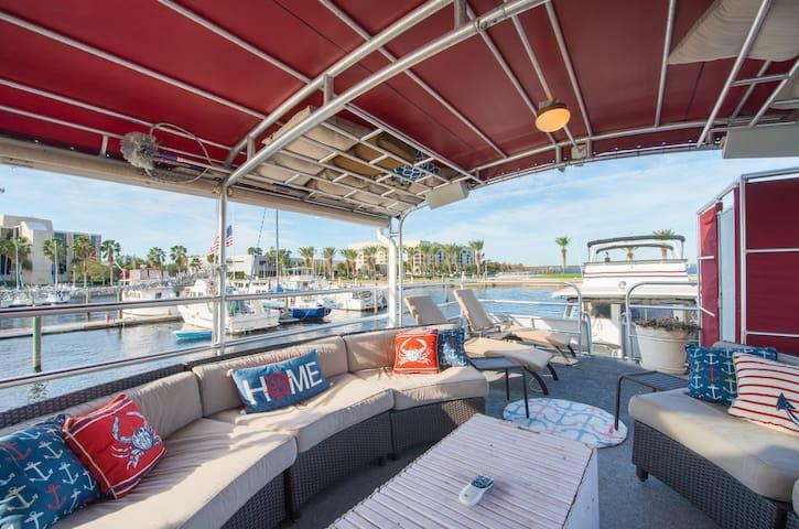 Houseboat - 60 feet of luxury - Sanford