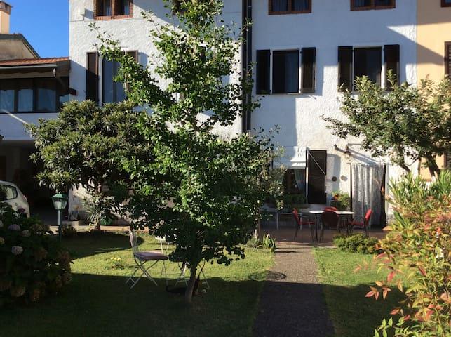 B&B in casa con giardino vicino a Rho Fiera Milano - Santo Stefano Ticino - B&B/民宿/ペンション
